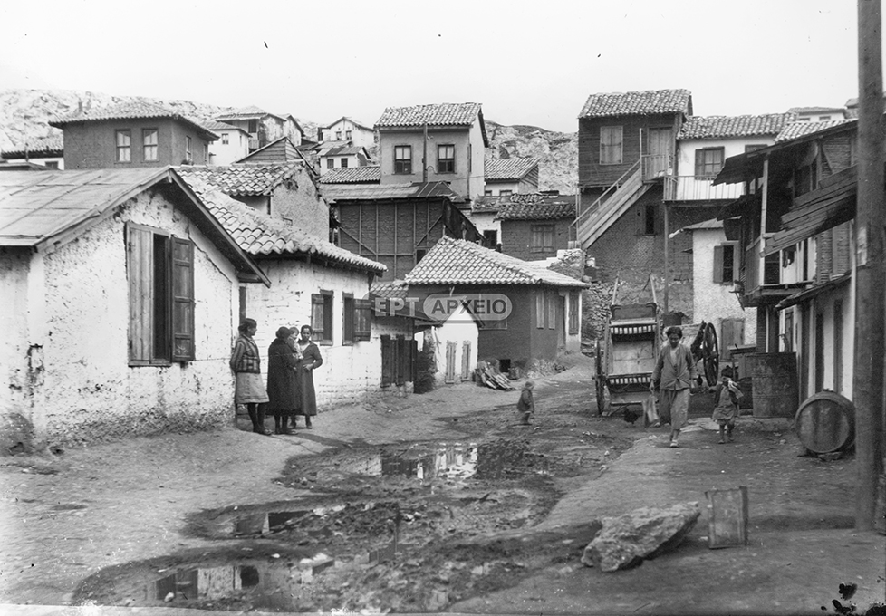 A snapshot of the daily life in the area of Asyrmatos (ERT S.A. Archive - Petros Poulidis Collection).